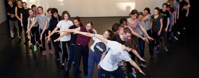 Workshop mit Jugendlichen. Foto: Roberto Duarte