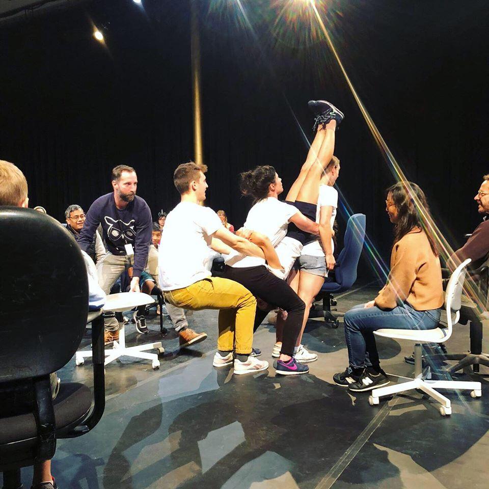 Balancing Bodies von Compagnie Woest. Foto: Cie Woest/Kennedy Center